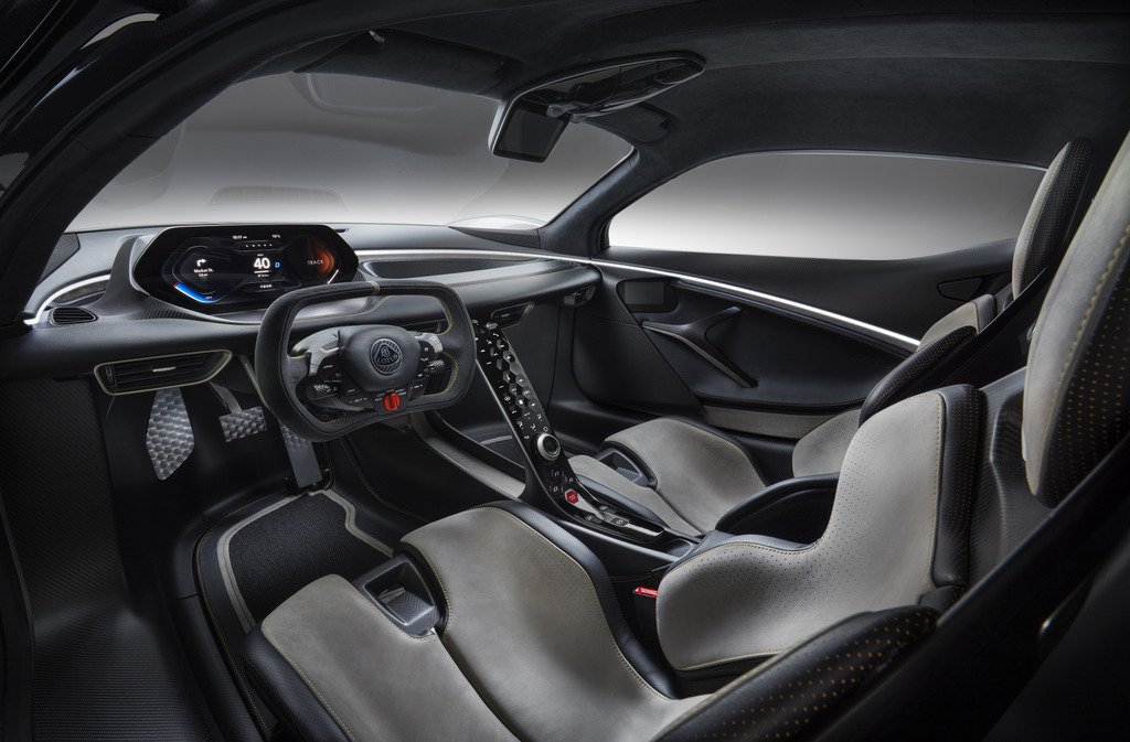 2_Lotus_Evija_Interior_02.jpg